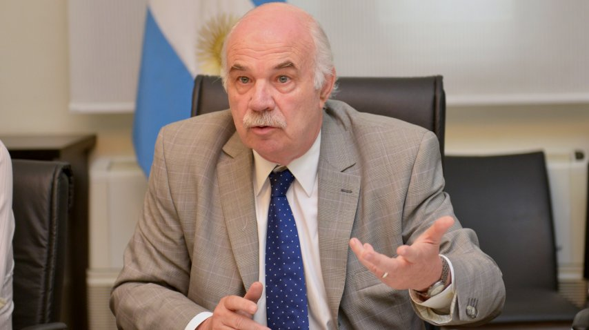El ministro Carlos Casamiquela<br>
