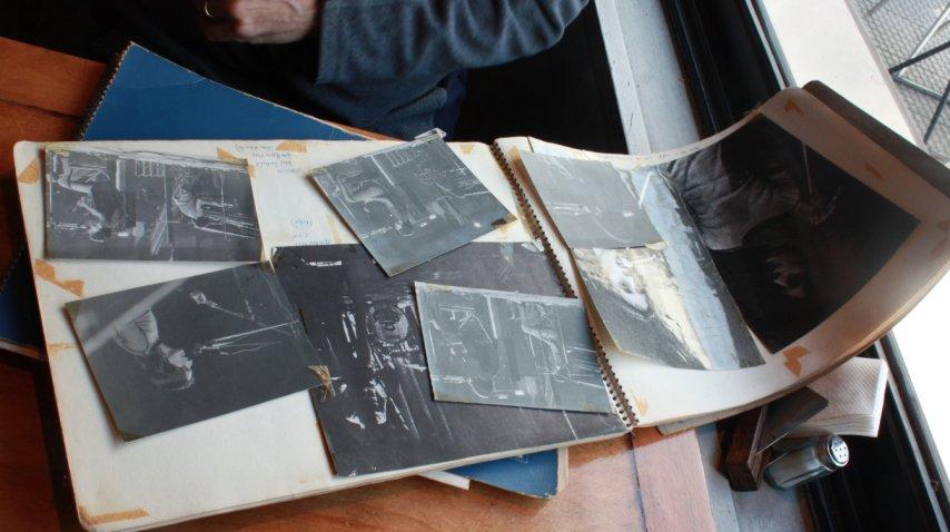 Fotos de algunas de las presentaciones del grupo. Entre ellas, las del día en que fueron teloneros de Joan Manuel Serrat.