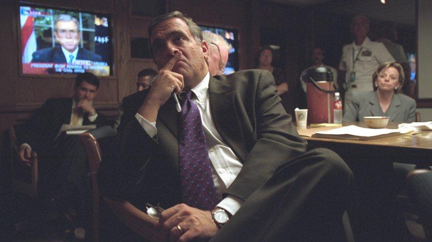 El director de la CIA, George Tenet, escucha el discurso de George W. Bush<br>