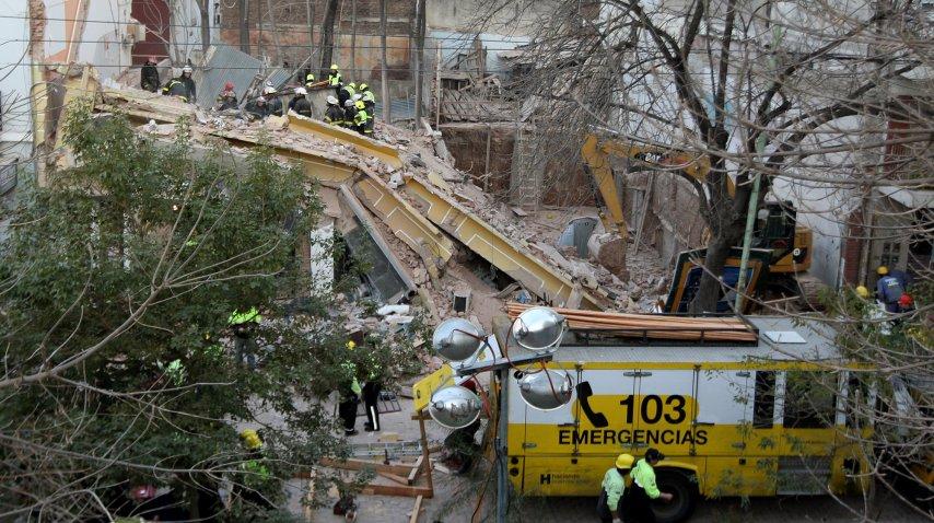 Gimnasio Orión. Se derrumbó en agosto de 2010.