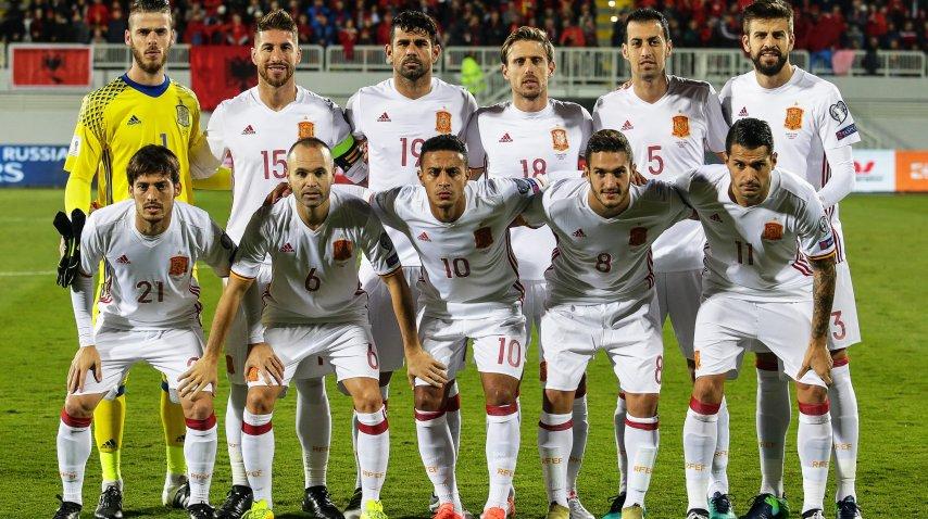 La camiseta de Piqué no mostraba la bandera de España en las mangas