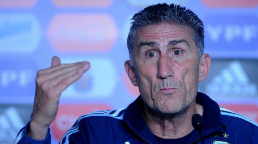 El técnico de la Selección, Edgardo Bauza en conferencia de prensa