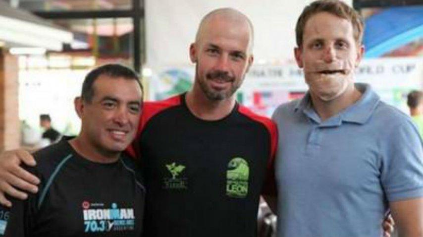 Un deportista tucumano le reconstruyó la cara a un rival en medio de una carrera.