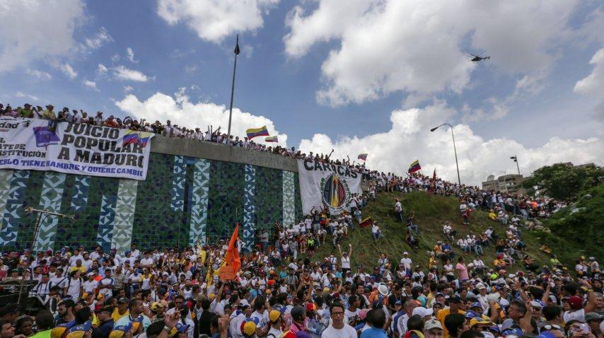 La manifestación fue en reclamo de un juicio político a Maduro<br>