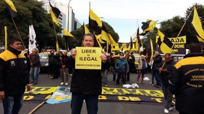 Marcha de taxistas a Tribunales para pedir que se investigue a Uber