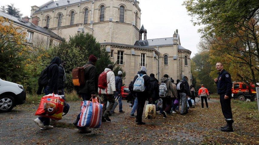 <p>Desalojo del mayor campamento refugiados en París</p><p></p>