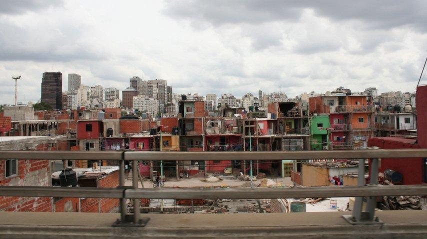 Según la ONG Techo, unas 82.585 familias viven en villas porteñas.<br>