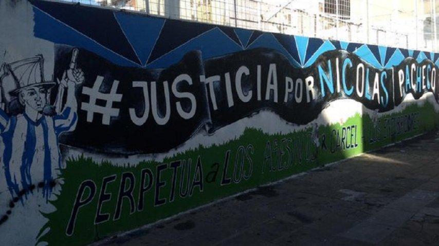 Las paredes de la sede de Villa del Parque de Racing donde fue asesinado Nicolás Pacheco