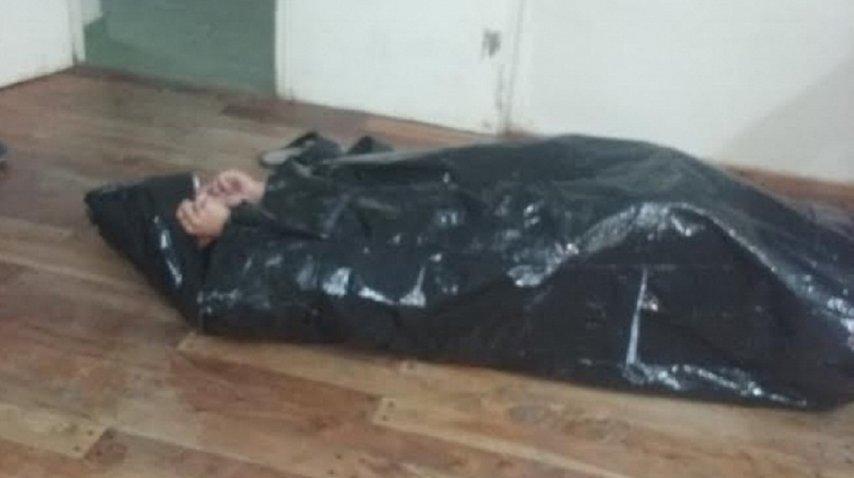 <p>Alumnos y docentes fabricaron bolsas de dormir para indigentes con sachets - Crédito: <a href=