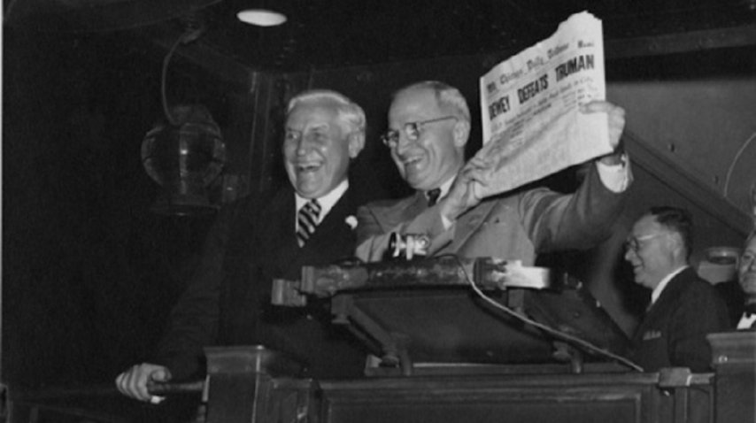Harry S. Truman celebra en 1948 mofándose del Chicago Tribune