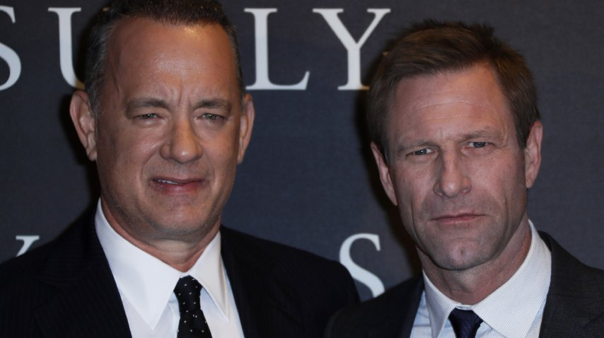 Tom Hanks y Aaron Eckhart en la premiere<br>