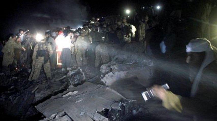 Se estrelló avión en pakistán