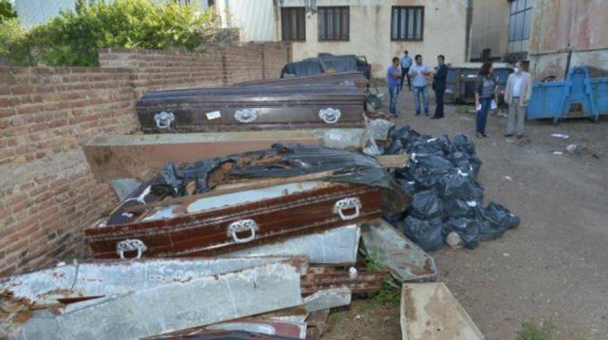 <p>Hallaron 400 cuerpos en fosas clandestinas de Córdoba</p><p></p>