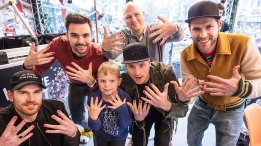 Artistas, políticos y ciudadanos se sumaron a la cruzada solidaria<br>