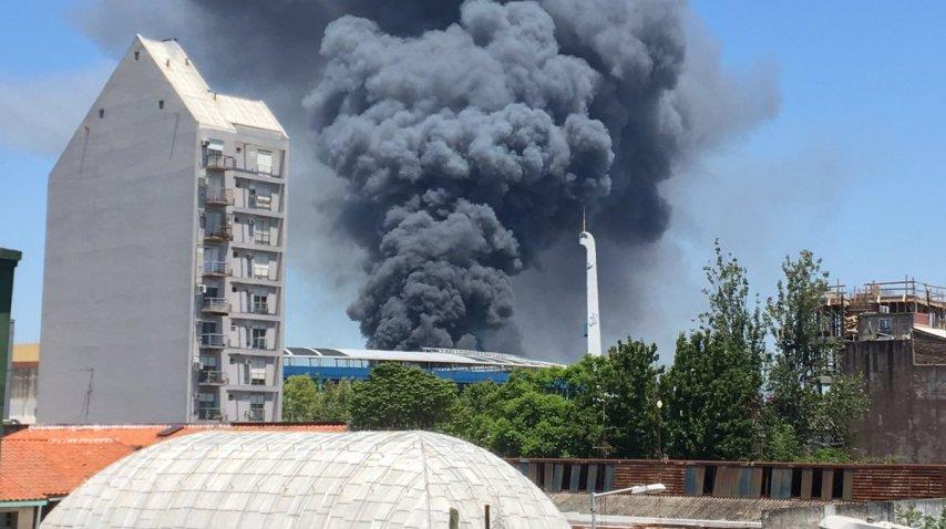 El incendio comenzó pasado el mediodía<br>