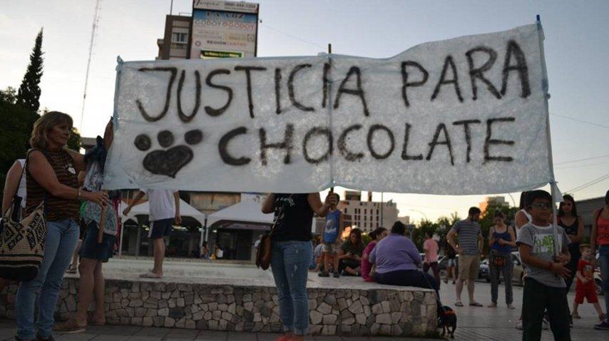 Vecinos marchan para pedir justicia por chocolate