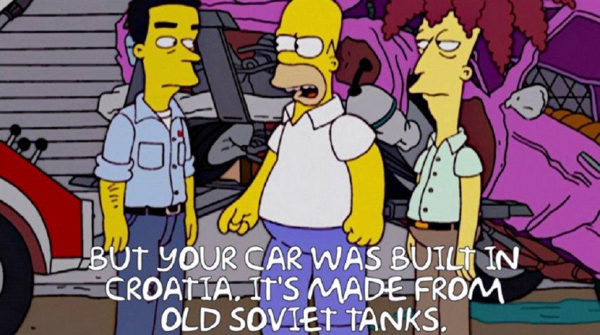 Homero Simpson maneja un <strong>P</strong>lymouth Junkerolla
