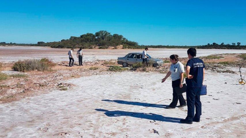 La mujer fue hallada en el auto en el que viajaba<br>