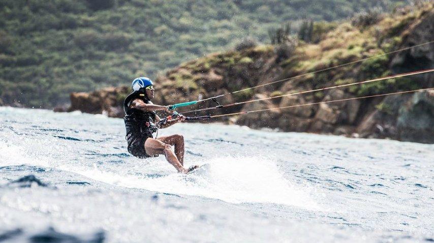 Obama volvió al surf en sus vacaciones<br>