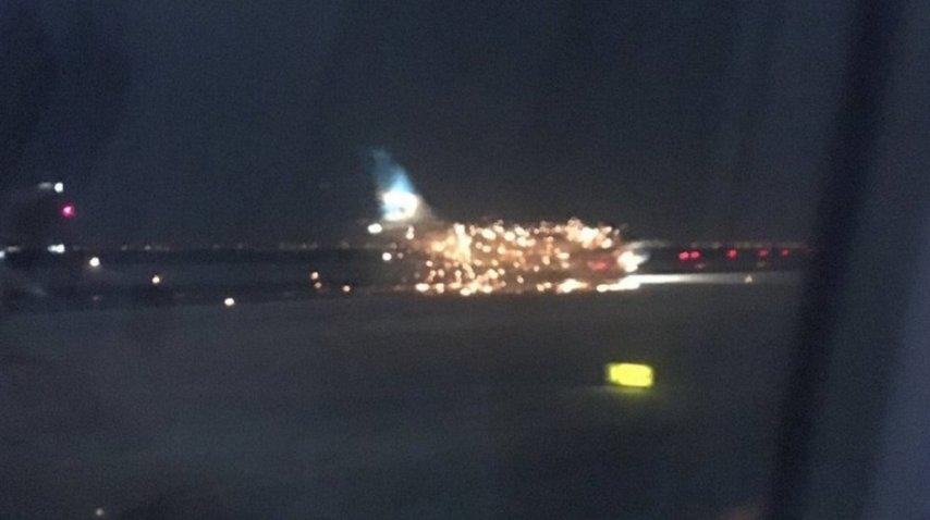 Avión de Aerolíneas Argentinas con desperfecto en Nueva York