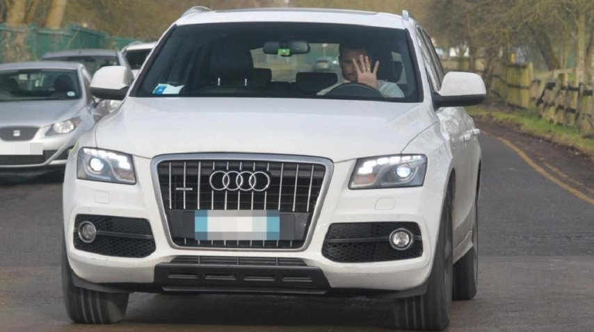 Sergio Romero, a bordo de su camioneta Audi<br>