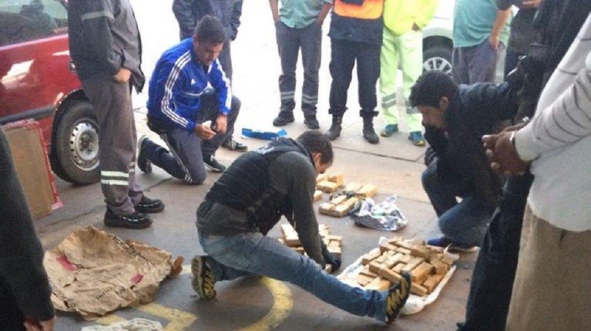 <p>Secuestraron 117 panes de marihuana - Crédito: diariodemocracia.com</p><p></p><p></p>