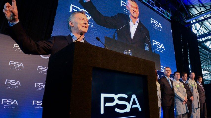 Mauricio Macri visitó la plata de Peugeot