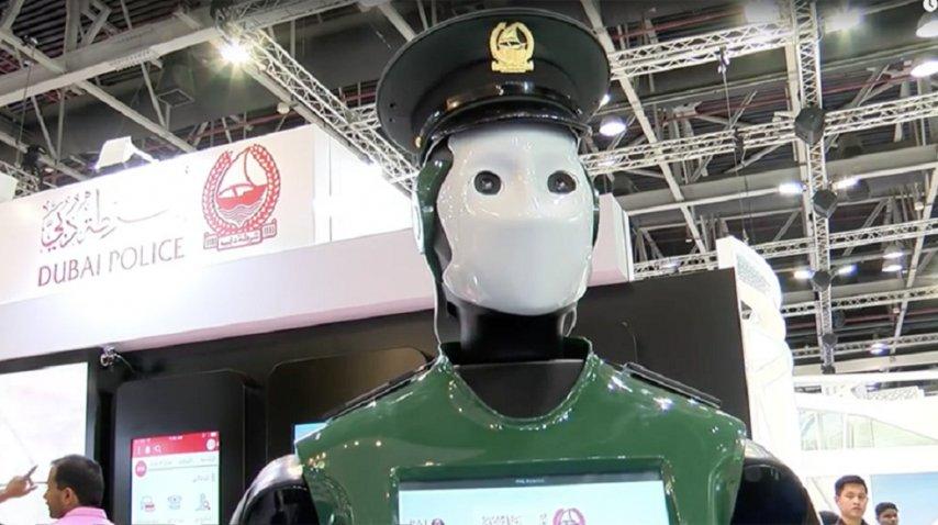 <p>La policía de Dubái lanzará un agente robot - Crédito : RT</p><p></p>