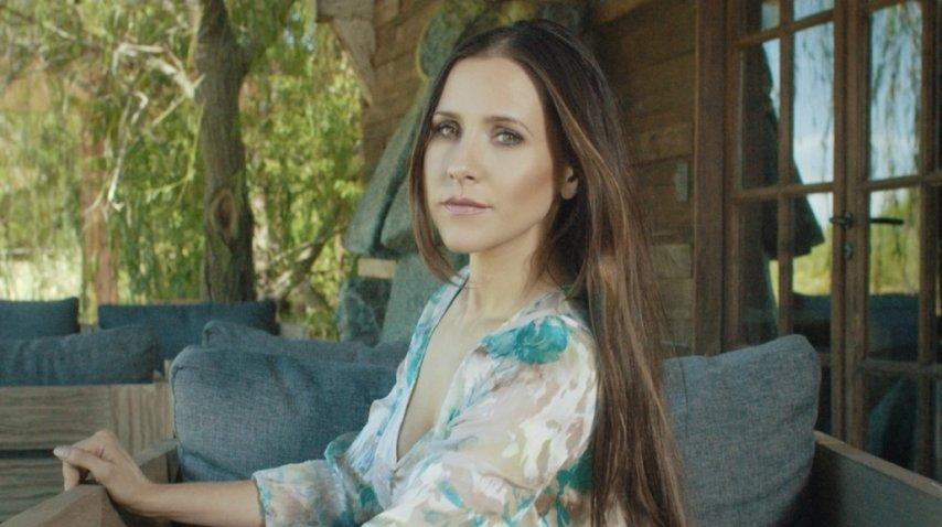 Julieta Camaño vuelve con #RightNow<br>
