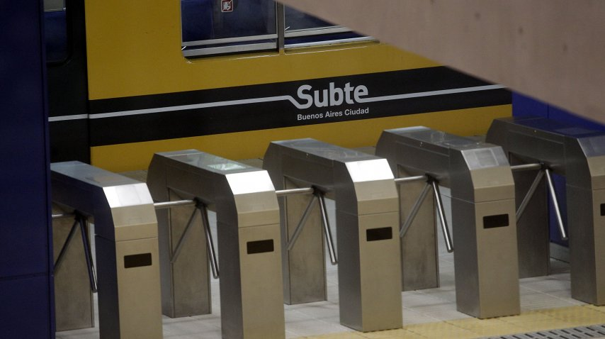 Metrodelegados paran el subte de 5 a 7<br>