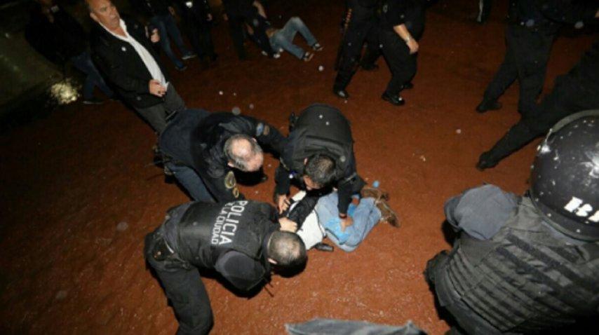 Docentes convocaron a un paro nacional para repudiar la represión