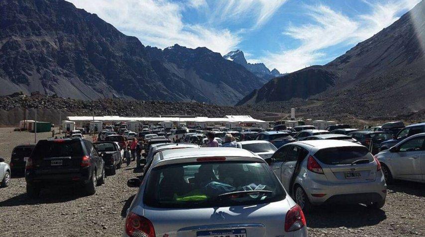 Miles de argentinos llegaron a Chile para hacer compras y pasear