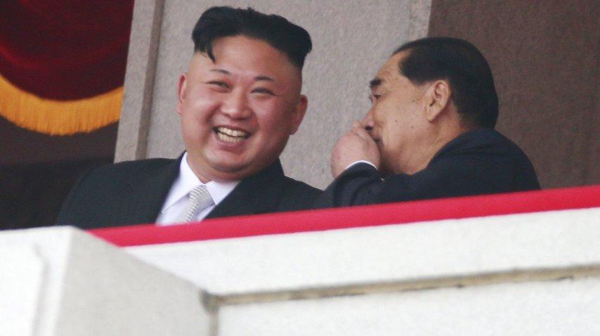 Kim Jong-Un con Park Pong-ju