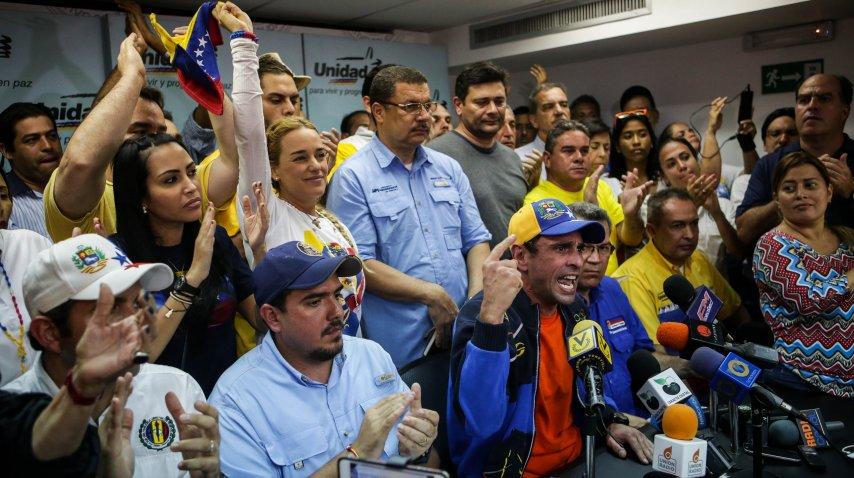 Henrique Capriles Radonski encabezó la conferencia de prensa de la oposición<br>