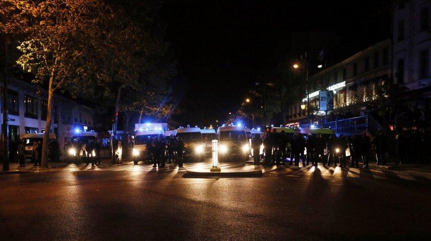 Reprimieron manifestantes en París tras las elecciones