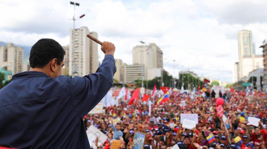 Nicolás Maduro encabezó el acto oficial por el día del trabajador<br>