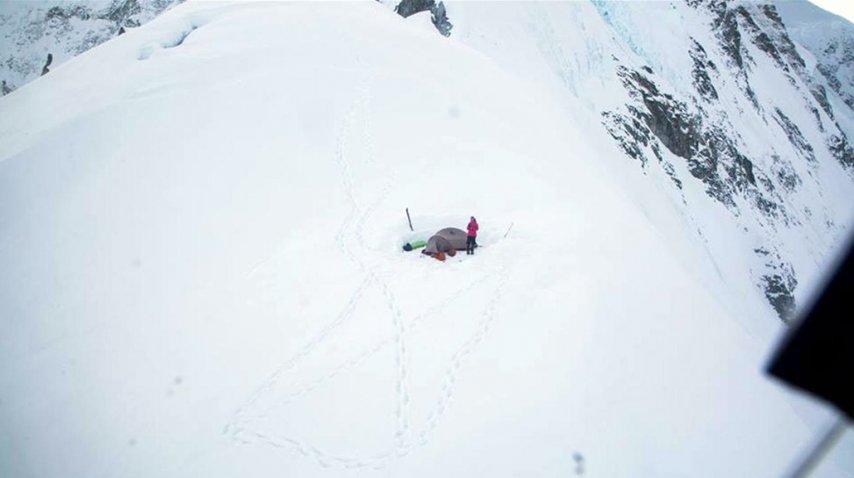 Una montañista argentina quedó atrapada en el Monte Logan