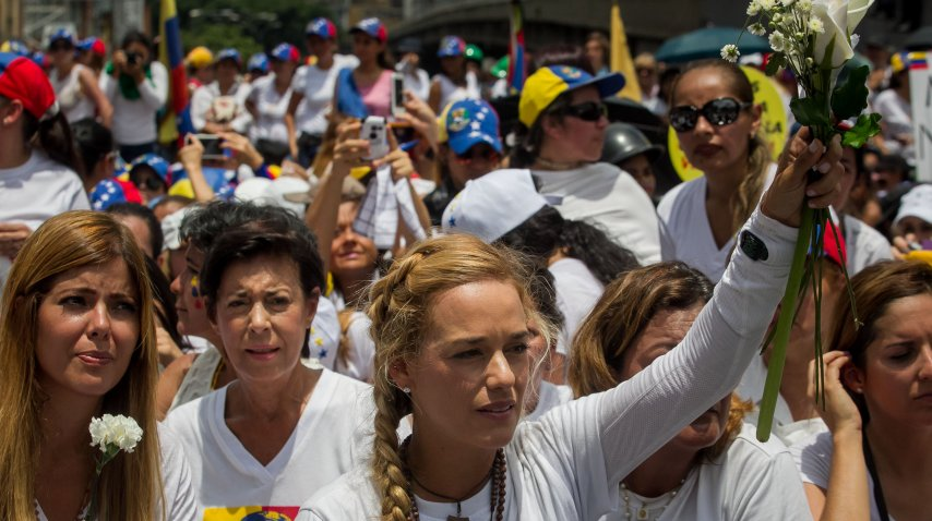 Lilian Tintori, esposa del opositor Leopoldo López, participó de la marcha<br>