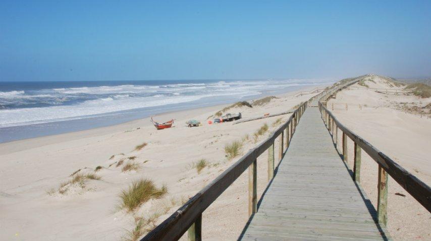 Hay una rambla de 36 kilómetros para recorrer la orilla<br>
