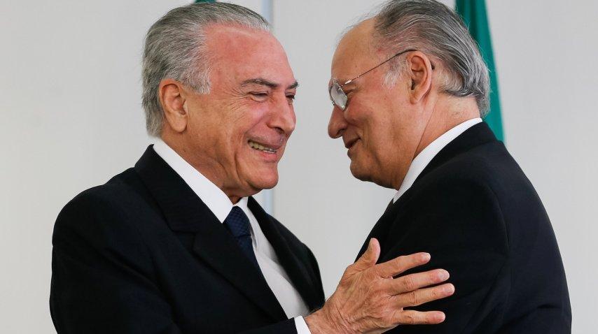 Temer y senador Neves frenaban investigaciones anticorrupción, dice procurador general de Brasil