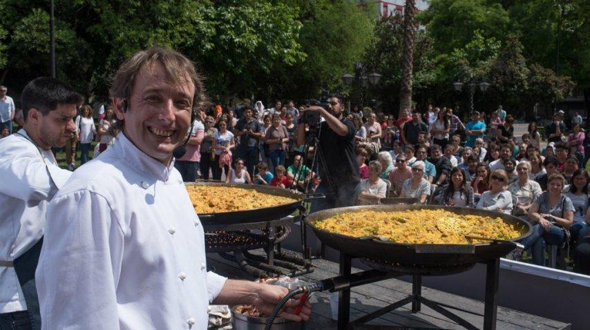 El chef español seguirá dando clases de cocina<br>