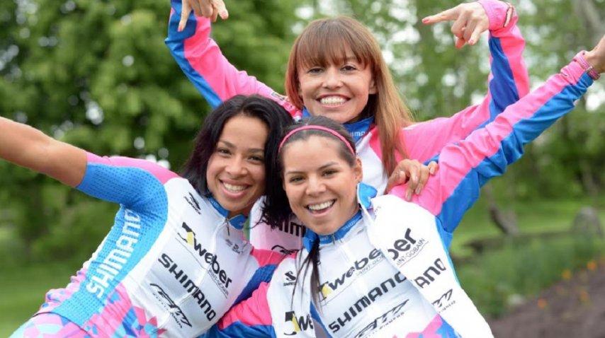 <p>Marlies se divierte con las colombianas Parrado y Meneses. El Ladies Power tiene como meta tener a los mejores proyectos y desarrollarlos. (Jim Gavenus)</p>
