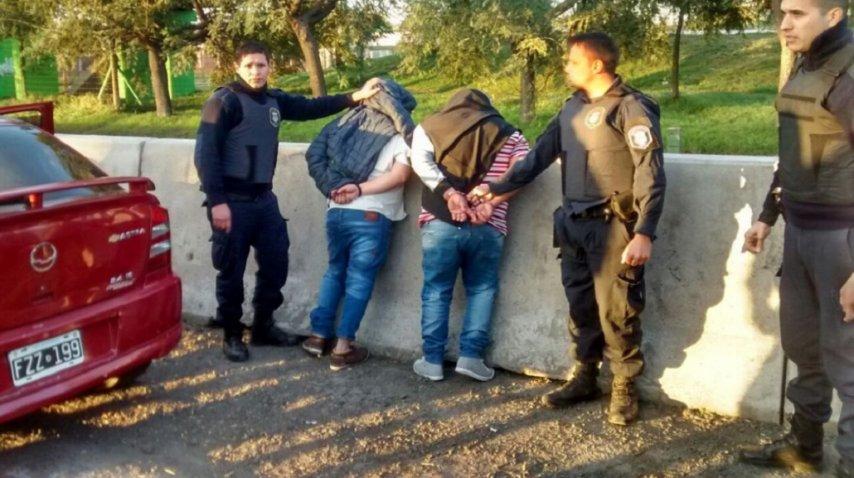 Así detuvieron a dos de los delincuentes (@nandotocho)