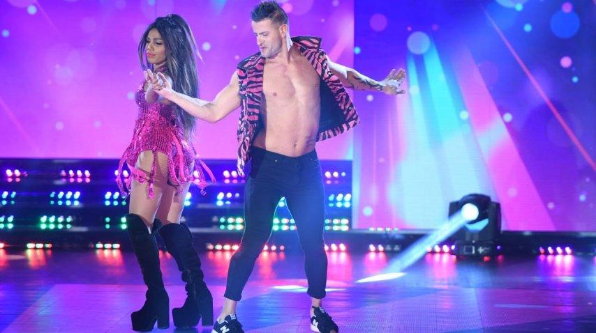 Mimi en la cumbia pop del Bailando 2017