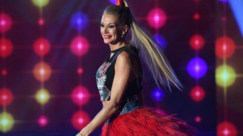 Yanina Latorre bailando cumbia pop<br>