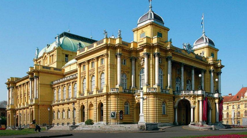 El Teatro Nacional de Zagreb sobresale en una arquitectura diversa<br>