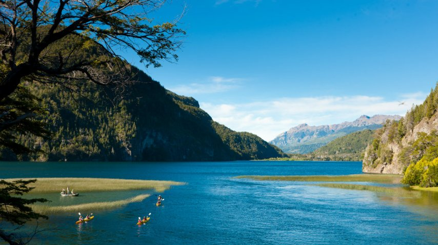 Kayakismo, senderismo y mucha aventura en