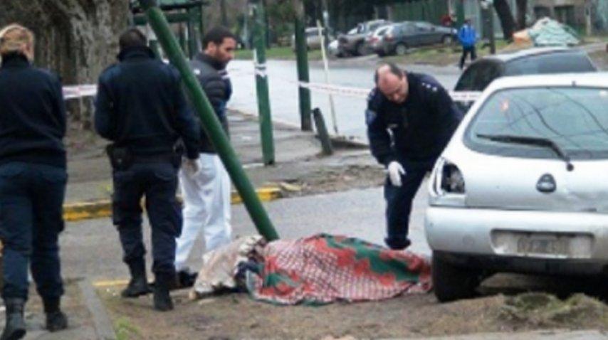 Policía cruzó un semáforo en rojo, chocó y mató a una mujer