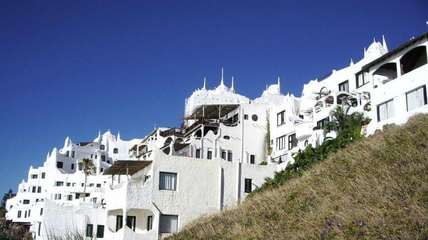 Casapueblo, a 13 kilómetros de Punta del Este, es un emblema<br>