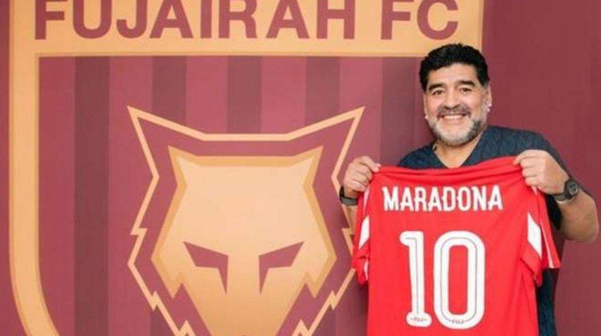 Diego Maradona comenzó su ciclo como DT de Al Fujairah<br>